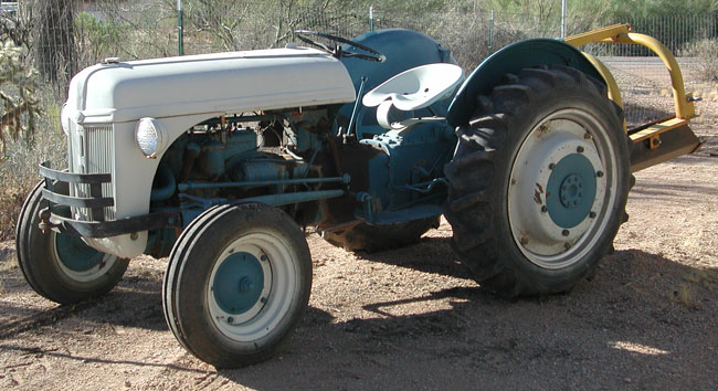 9n Ford Tractor >> Old Ford Tractors Dean S Garage